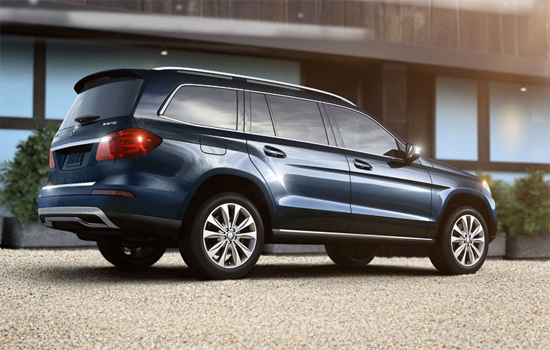 New mercedes benz to go into production january 2013 for Mercedes benz 7 seater suv